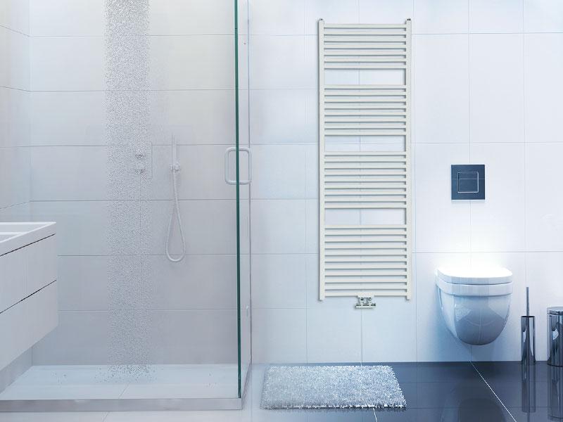 radiador toallero afuera de la regadera del baño